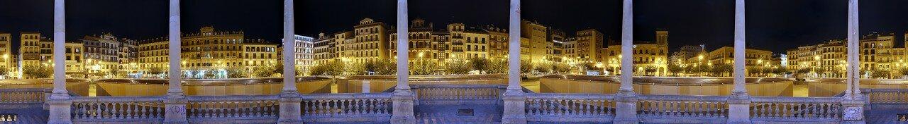 Памплона. Пласа дель Кастильо (Plaza del Castillo, Pamplona)