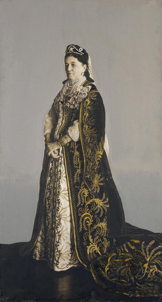 Портрет дамы в придворном мундирном платье