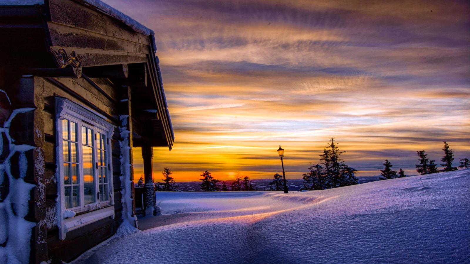 norvegiya-sneg-sugroby-zima.jpg