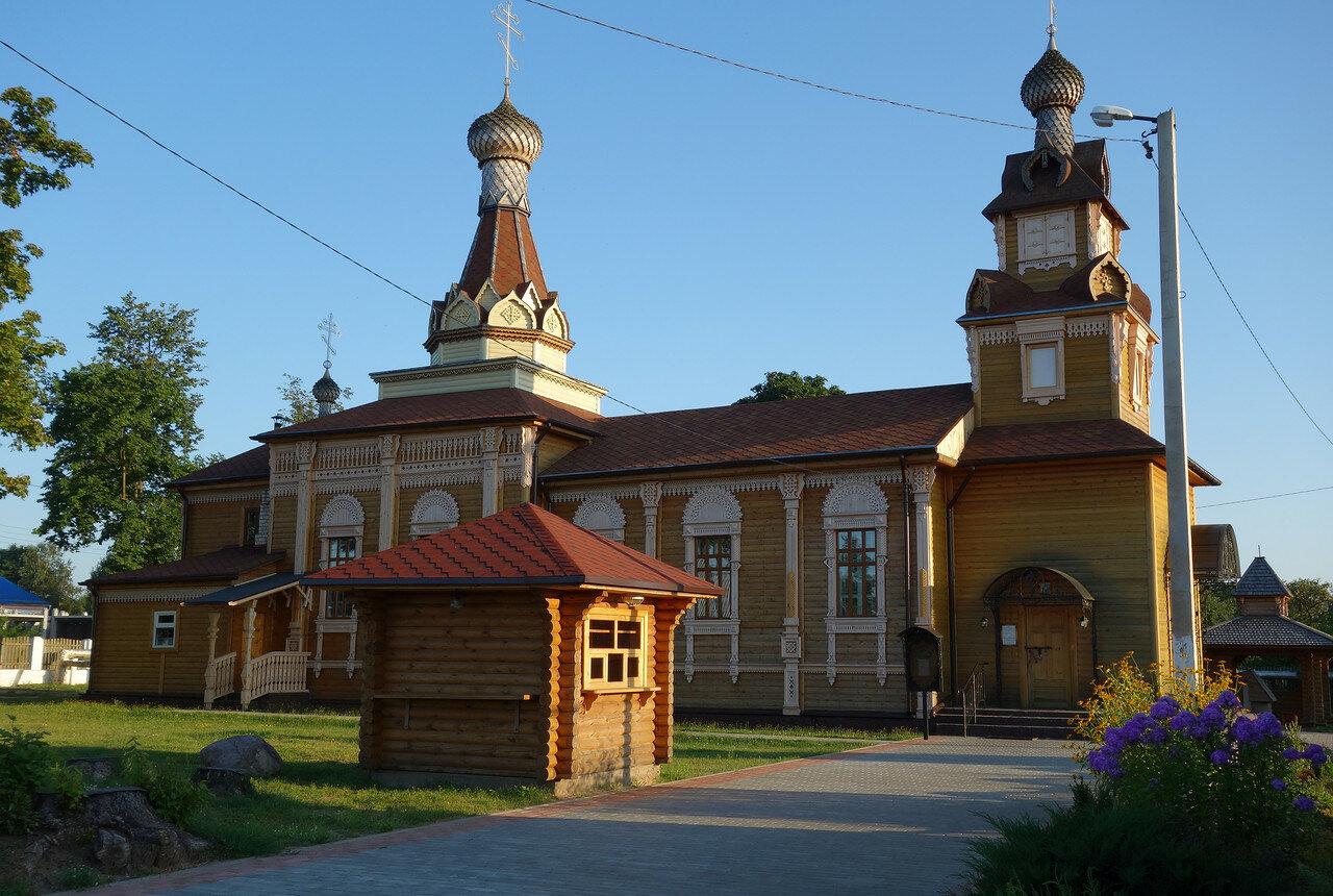 храм деревянный