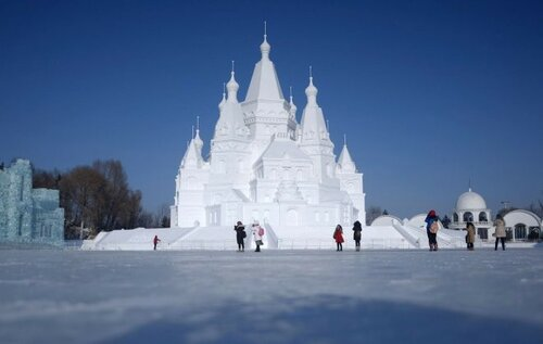 Фестиваль снега и льда в Харбине