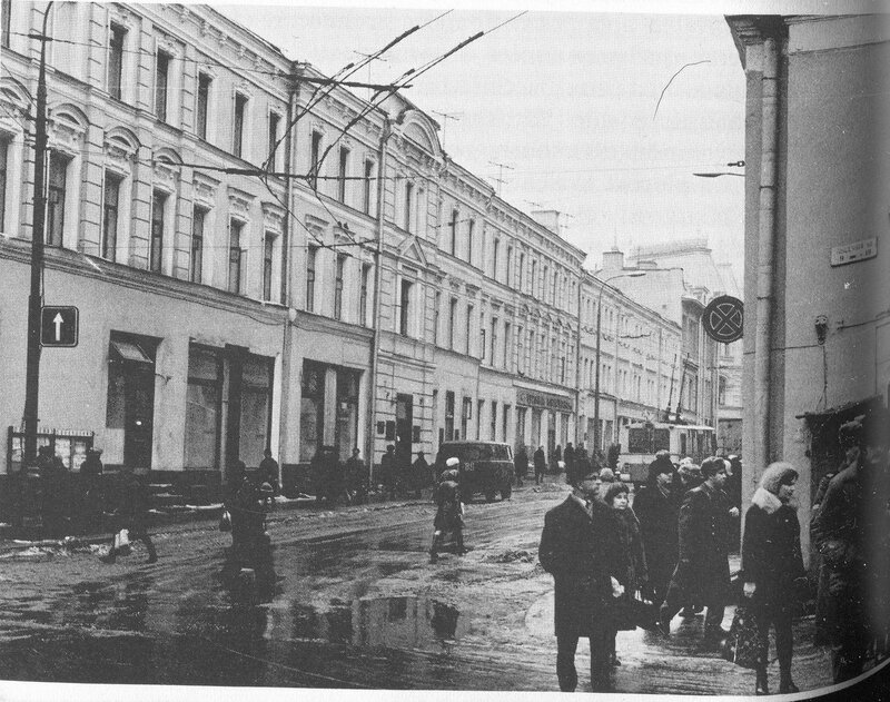 97523 Угол Пушечной и Жданова нач.70-х.jpg