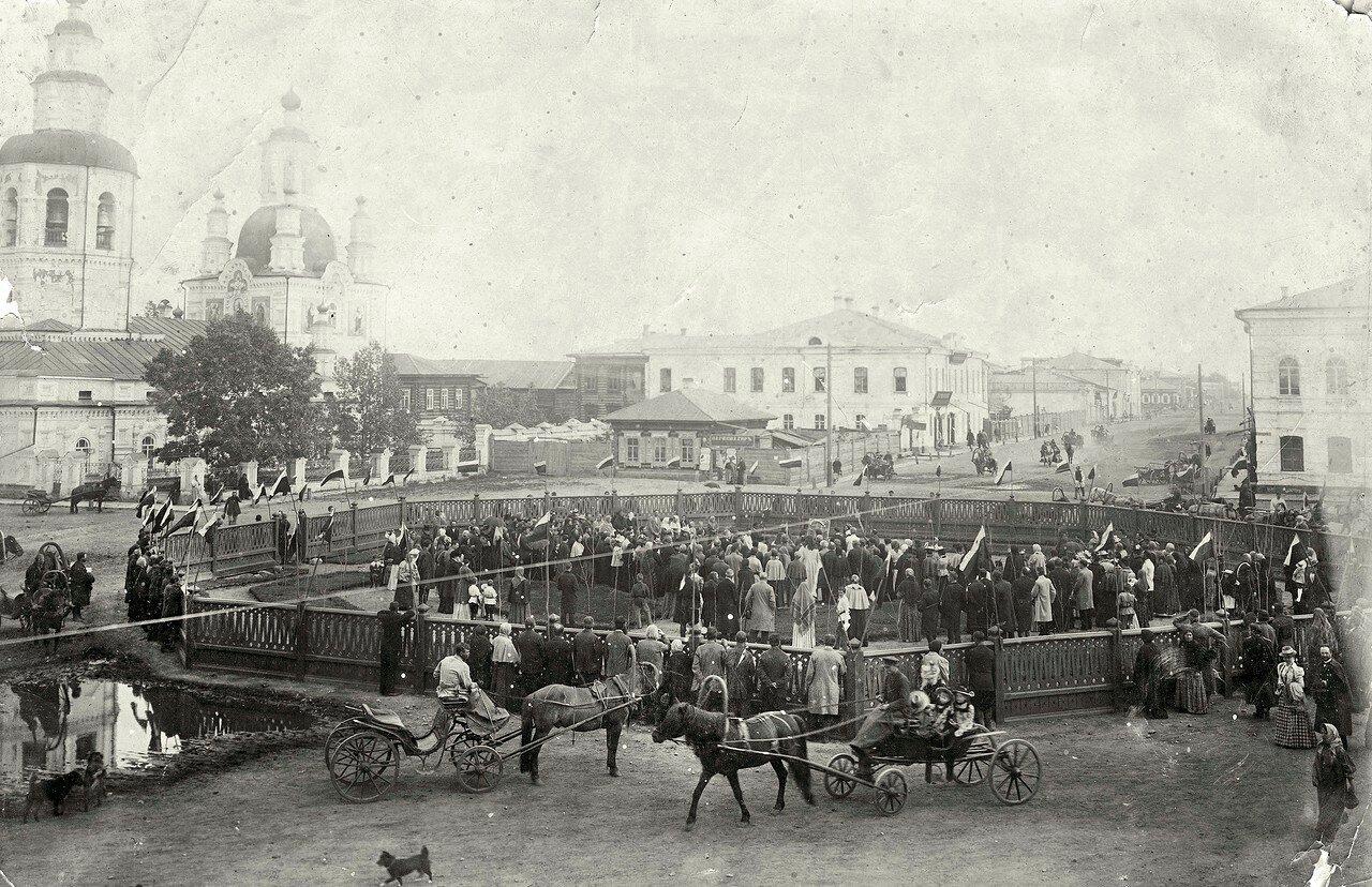 Перекресток ул. Воскресенской и Покровского переулка