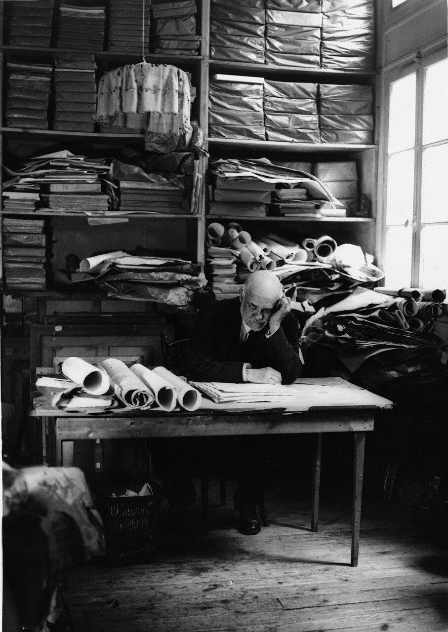 1934. Амбруаз Воллар