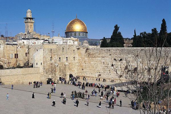 Святые места Иерусалима закрыты для туристов