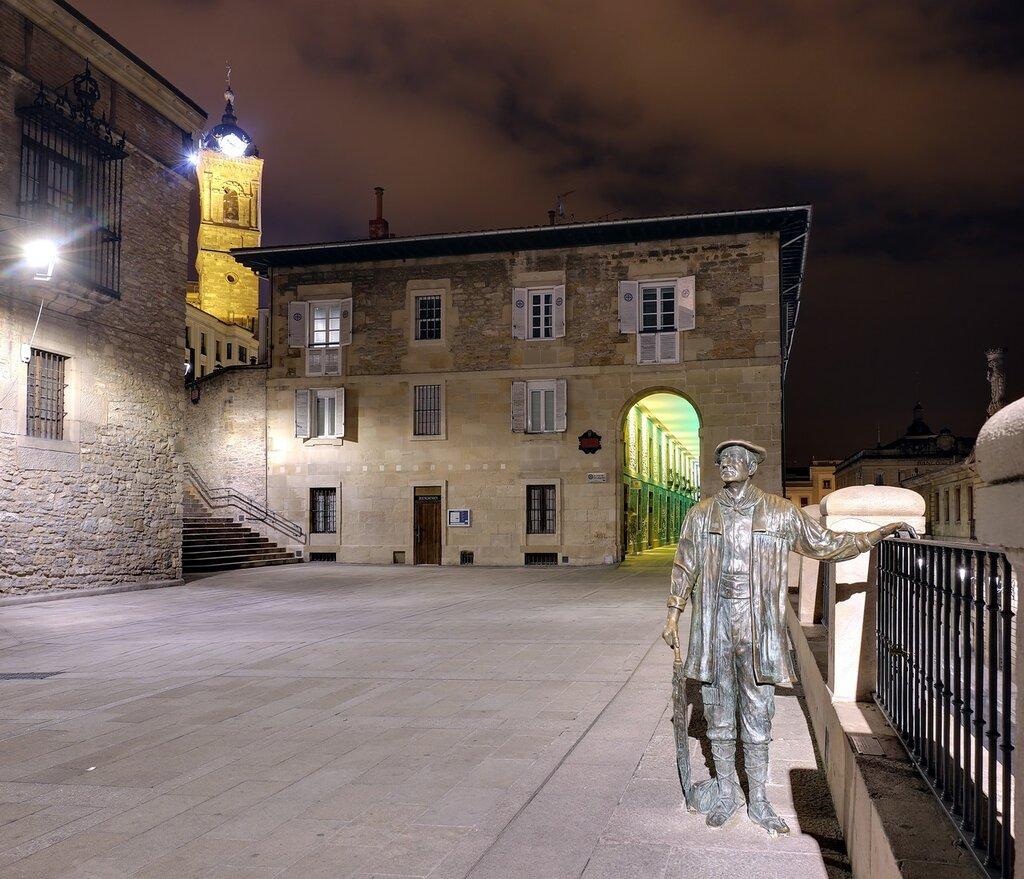 Vitoria-Gasteiz. Monument To Seledon