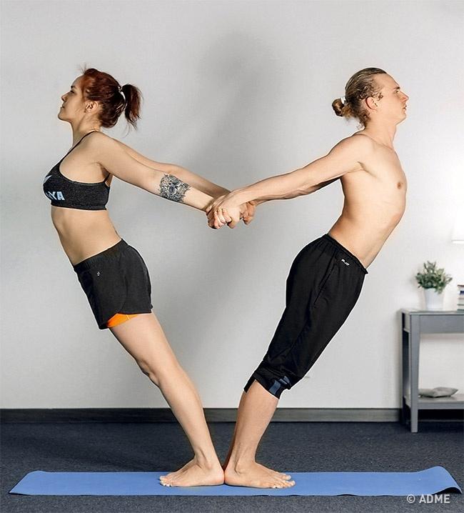 12поз йоги для двоих, которые научат доверять друг другу (12 фото)