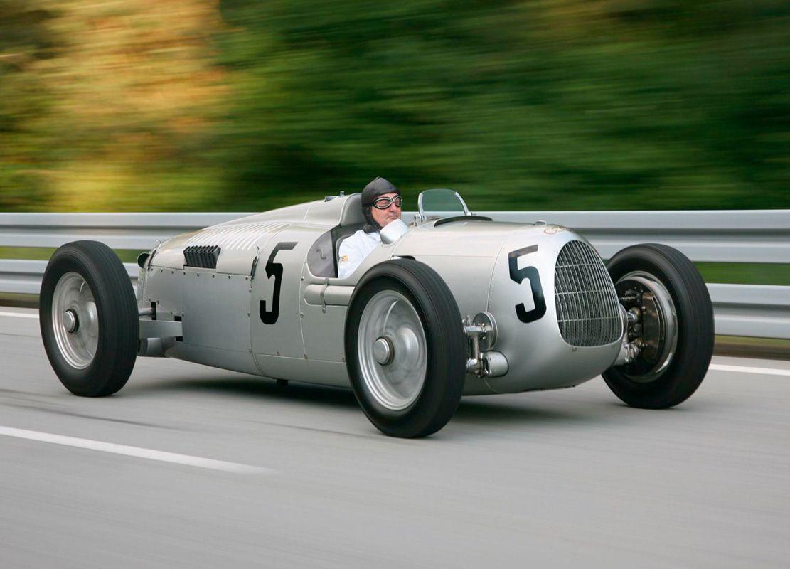 15 Jaguar SS 100 (1936)