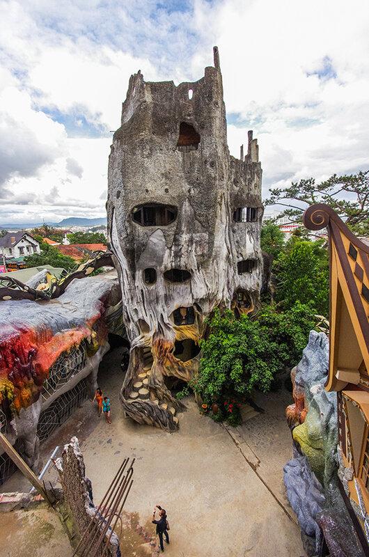 Знаменитый сумасшедший дом