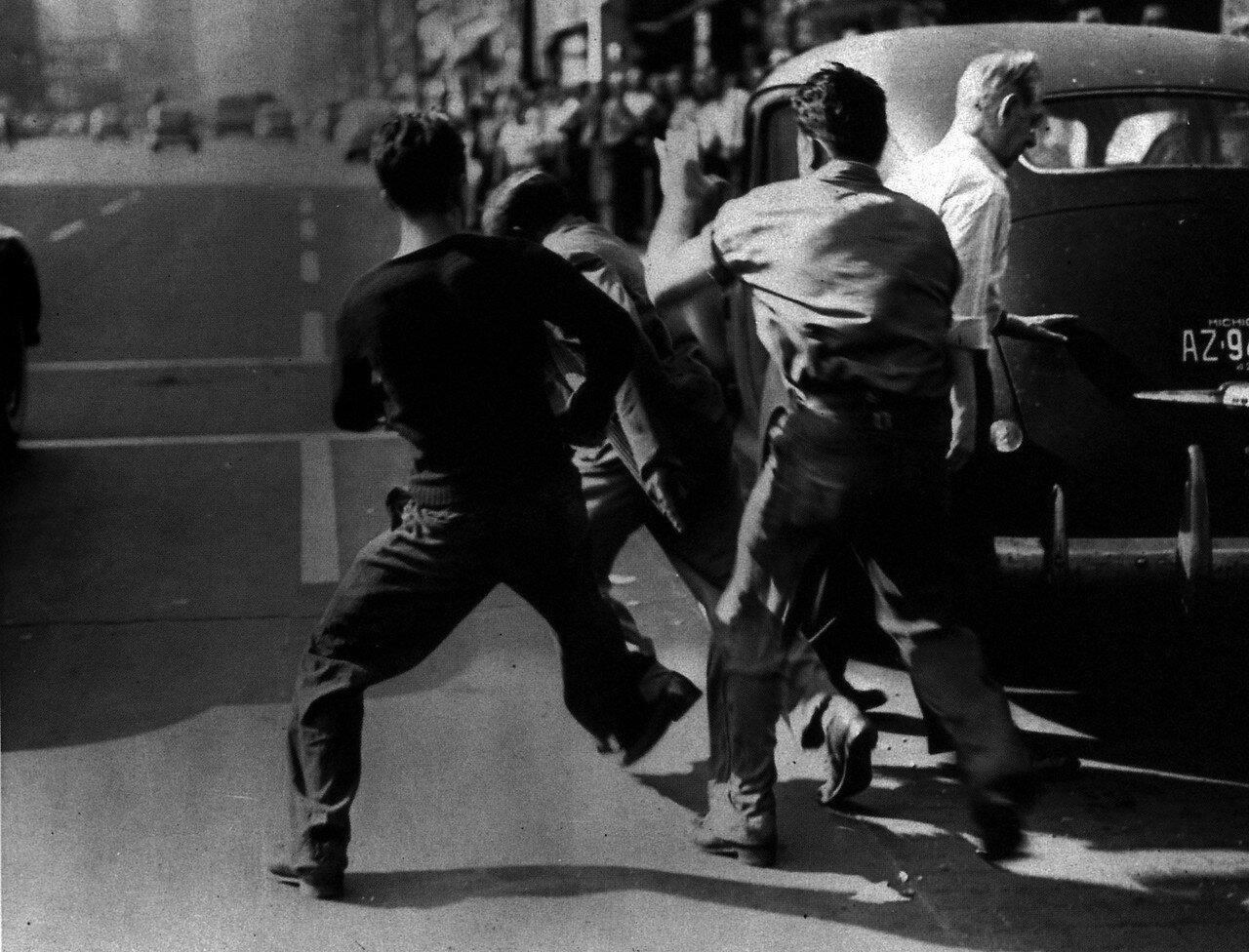 1943. 20 июня. Расовые бунты в Детройте. 25 убитых негров