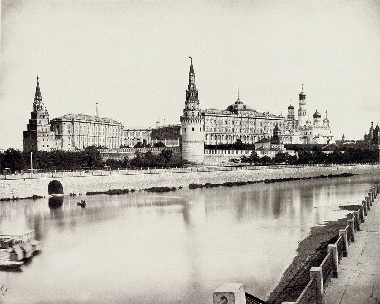 334. Кремль. Вид с Замоскворецкой набережной
