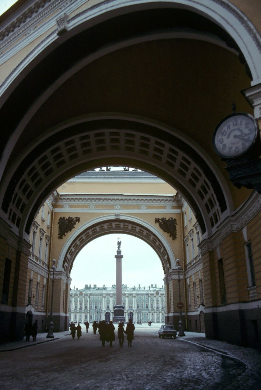 Вид на Дворцовую площадь