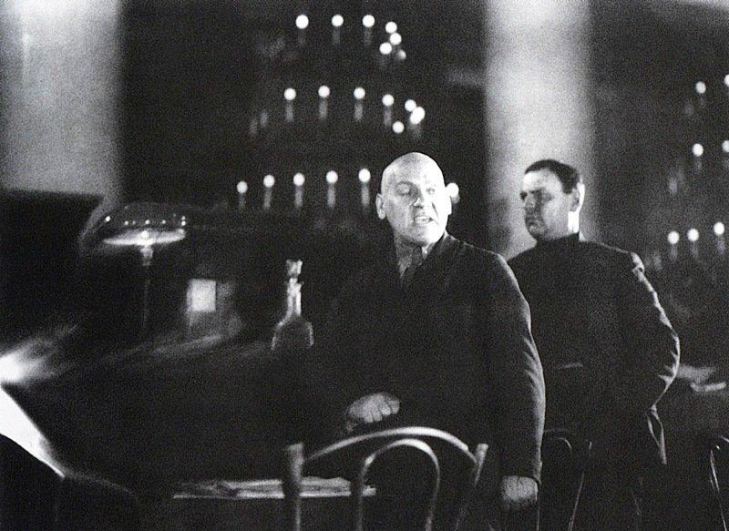 Государственный обвинитель Крыленко выступает на процессе меньшевиков. Москва. 1931 г.jpg
