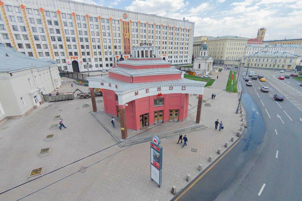 а к Киевскому вокзалу