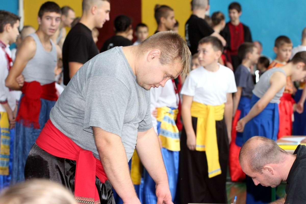 Квалификационный групповой экзамен в школе боевого гопака города Нетешин (Хмельницкая область) (32)