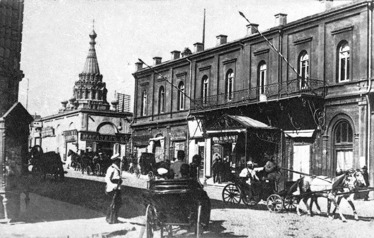 Угол Николаевской ул. и Великокняжеского пр-та. Гостиница Метрополь. 1905