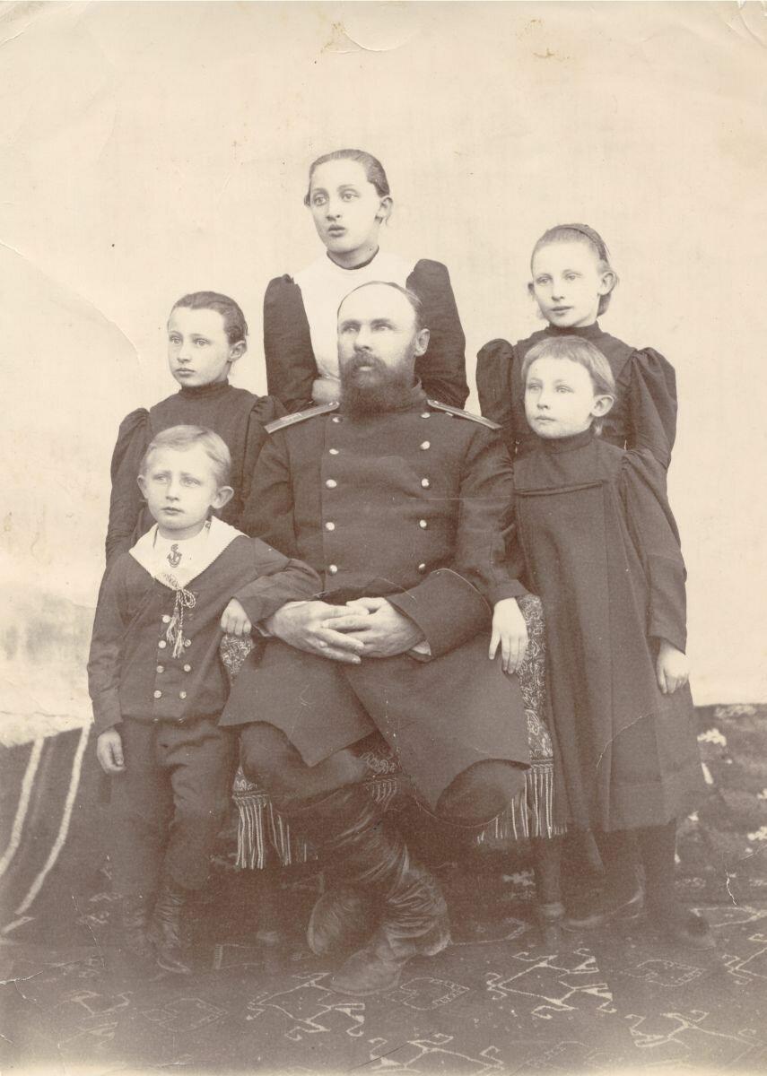 Леон Барщевский с детьми (1893)