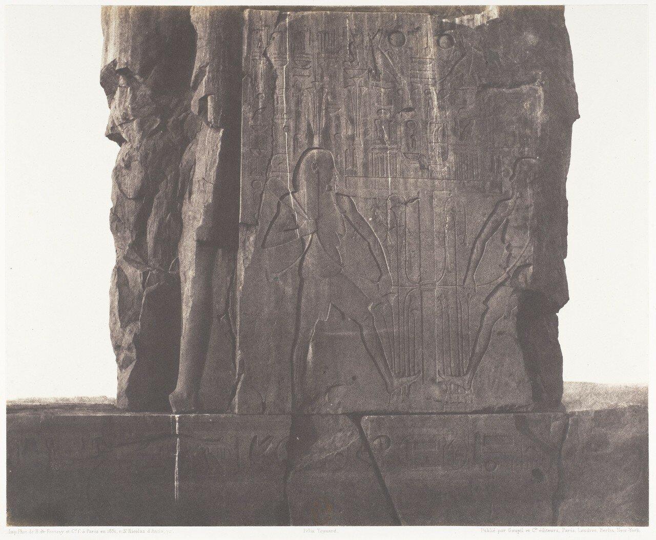 Эль-Гурна. Левый колосс. Украшения северо-восточной части трона
