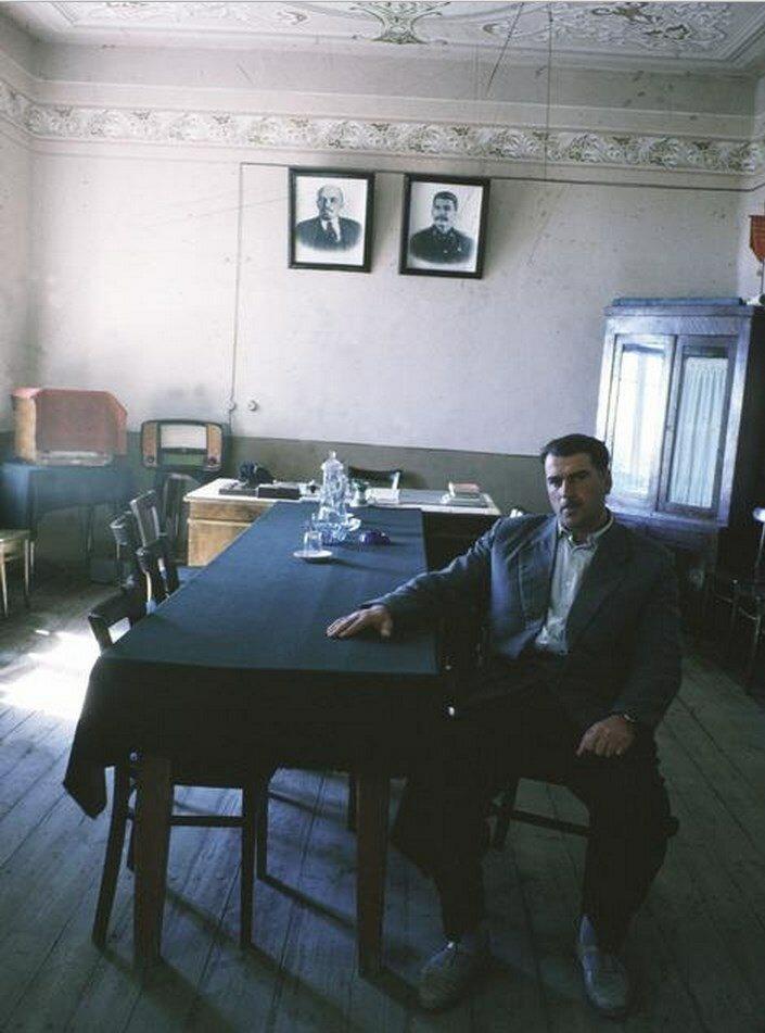 Грузия. Гори. Управляющий фермой из колхоза им. Сталина в родном городе Сталина