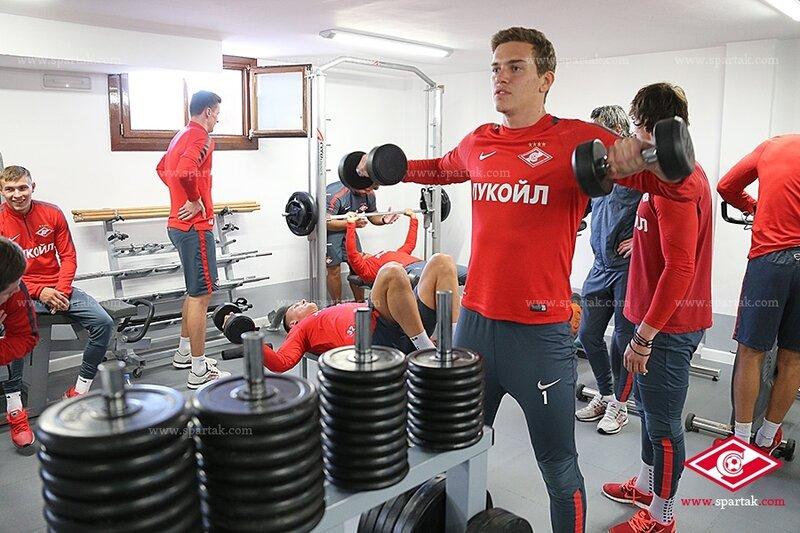 Тренировка «Спартака» на поле и в тренажерном зале (Фото)