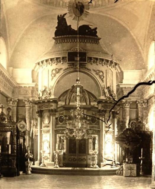 Прогулка по заброшенному храму Казанской иконы Божьей Матери в Яропольце 0 11e850 3fb757b9 orig