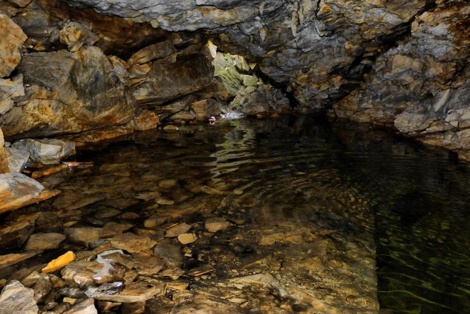 Затопленная пещера на карьере  (26.10.2015)