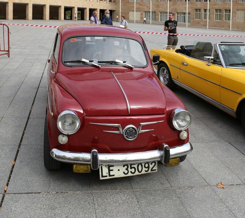 Парад ретроавтомобилей в Логроньо. SEAT 600