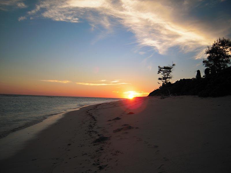 Закат на южном пляже