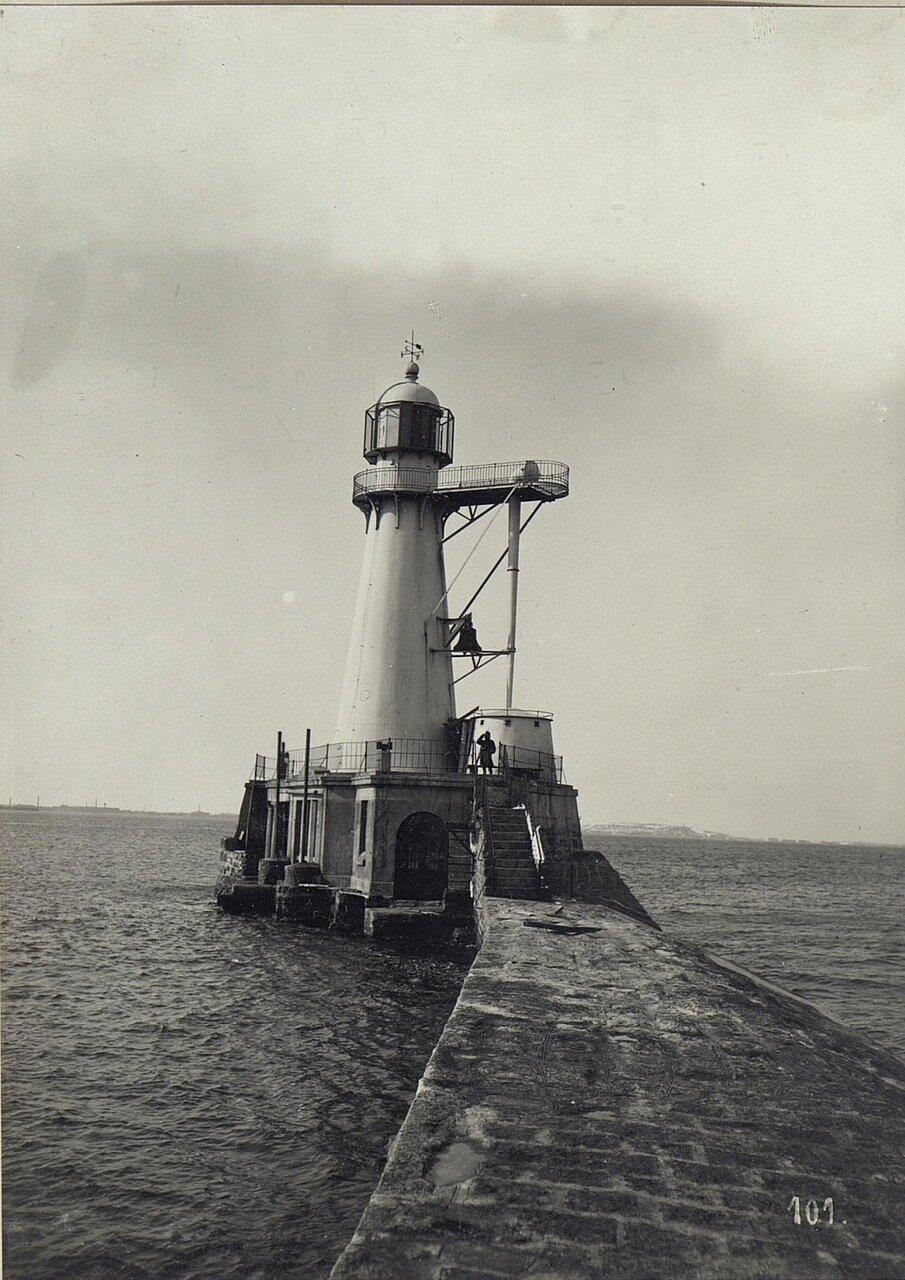 Маяк в порту Одессы