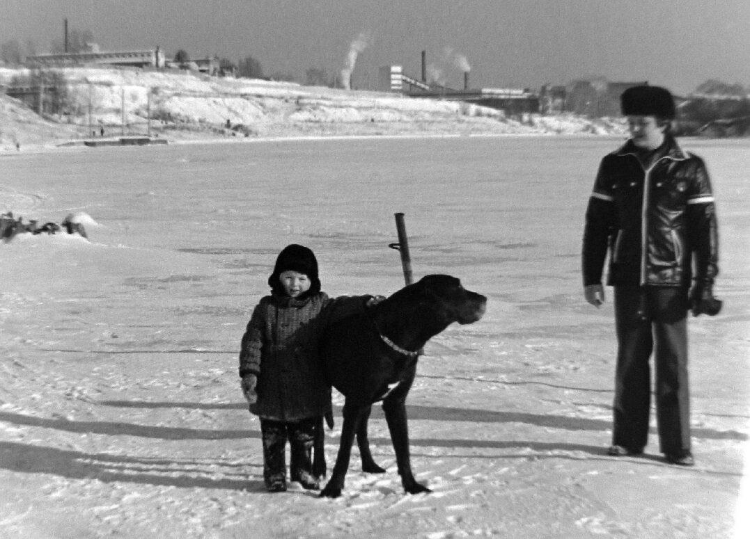 125.  1975. Москва река ниже шлюза № 9