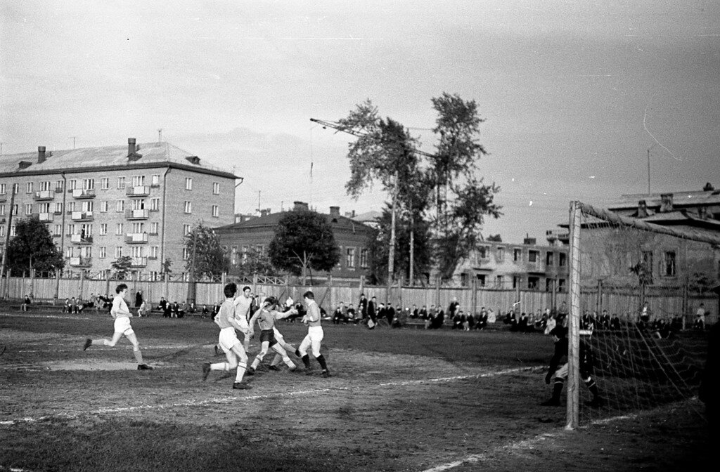 Футбол на стадионе «Динамо»