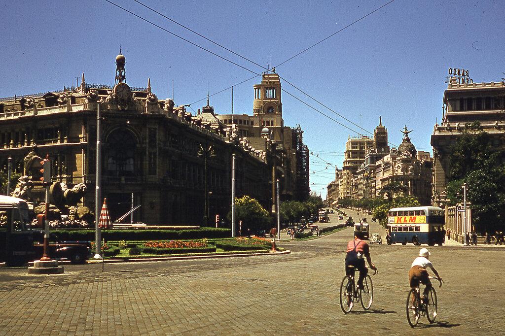 1955 Plaza Cibeles in Madrid.jpg