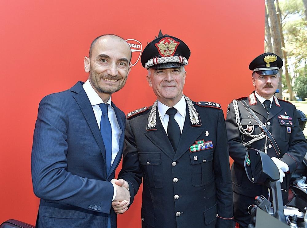 Итальянские карабинеры получили партию полицейских мотоциклов Ducati Multistrada 1200 S / Multistrada 1200 Enduro