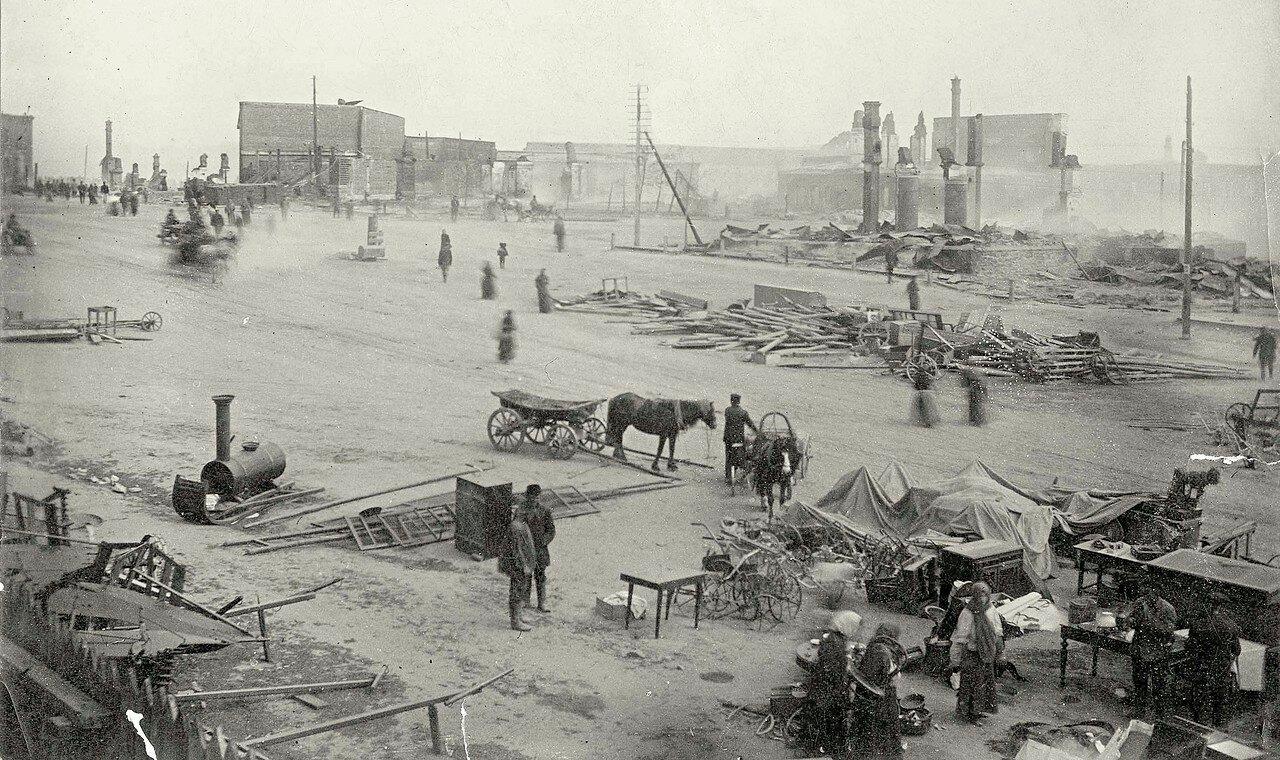Театральная площадь после пожара