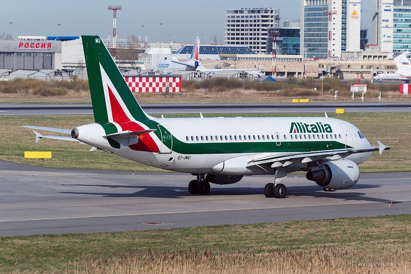 Airbus A319-111 (EI-IMU) Alitalia D804418