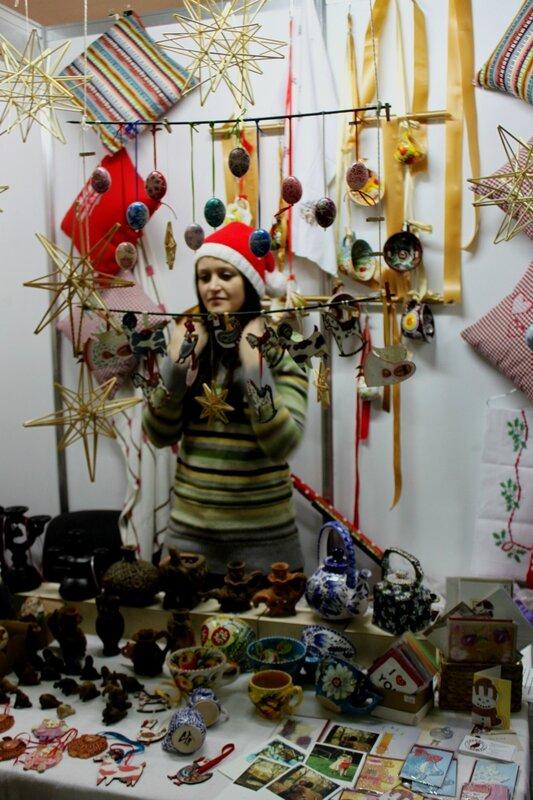Продавец игрушек и гончарных изделий