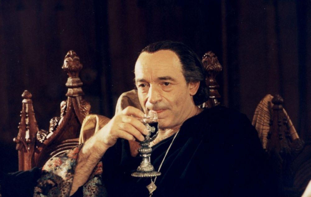 6 Валентин Гафт в роли Воланда, Мастер и Маргарита - 1994.jpg