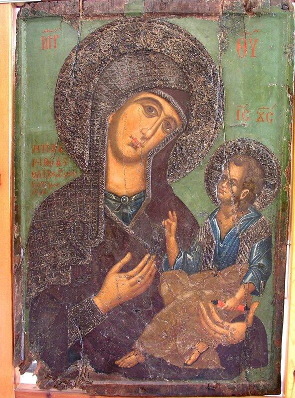 """Икона Божией Матери """"Парамития"""". XIV век. Византийский музей, Пафос, Кипр."""