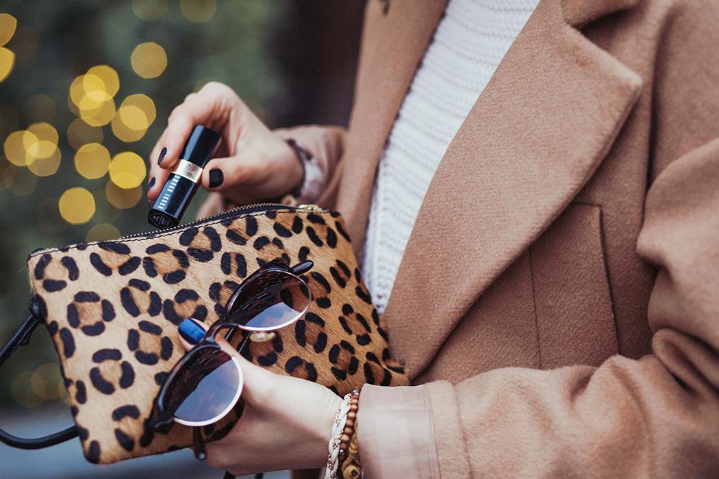 inspiration, streetstyle, autumn outfit, autumn streetstyle, moscow fashion week, annamidday, top fashion blogger, top russian fashion blogger, фэшн блогер, русский блогер, известный блогер, топовый блогер, russian bloger, top russian blogger, streetfashion, bobbi brown, lipstick, помады бобби браун, russian fashion blogger, blogger, fashion, style, fashionista, модный блогер, российский блогер, ТОП блогер, ootd, lookoftheday, look, популярный блогер, российский модный блогер, annamidday, russian girl, с чем носить бежевое пальто,  girly, how to wear hat, beige coat, красивая девушка, русская девушка, fashion week