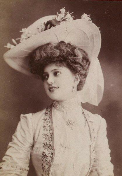 Загадочные красавицы начала 1900-х годов.