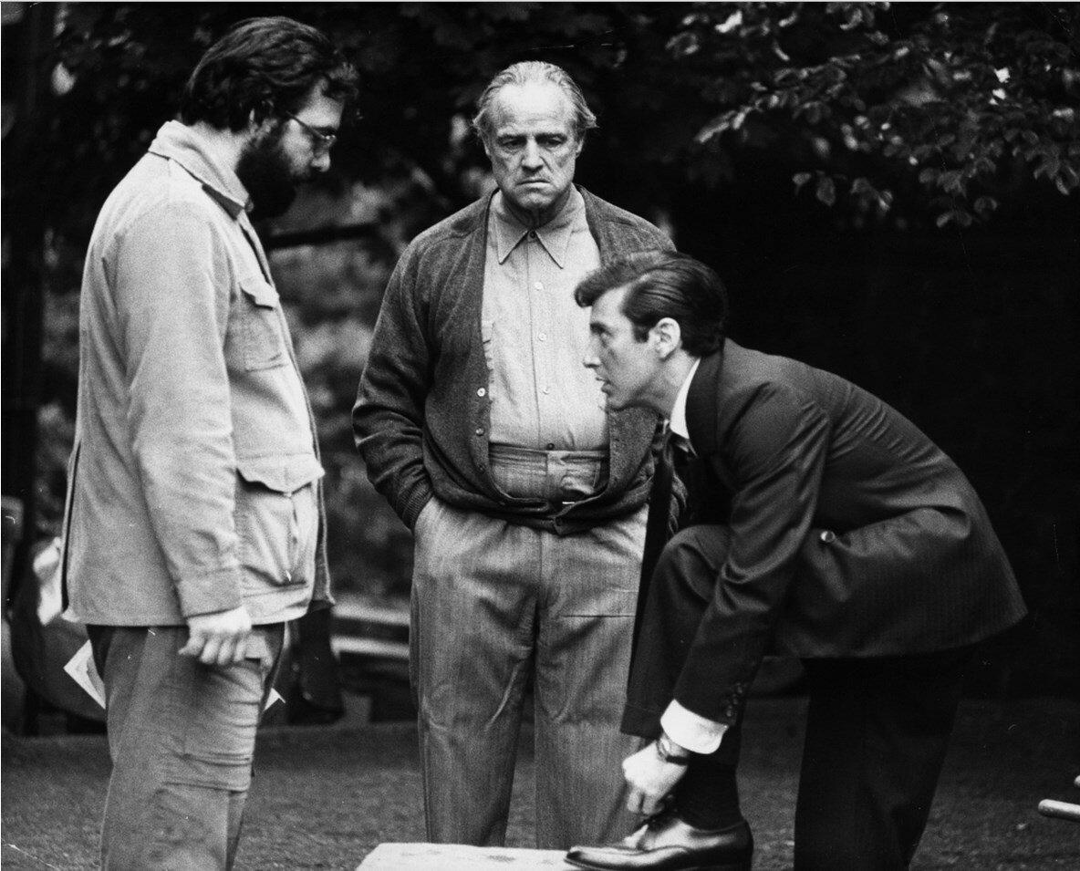 1972. Френсис Форд Коппола, Марлон Брандо и Аль Пачино на съемках «Крёстного отца»