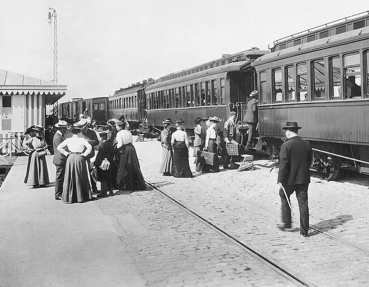 1900. Приход поезда
