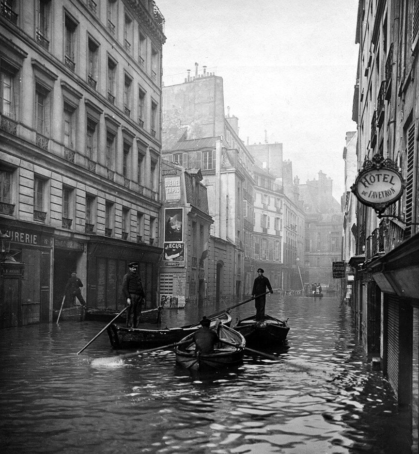 1910. Рю де Сена