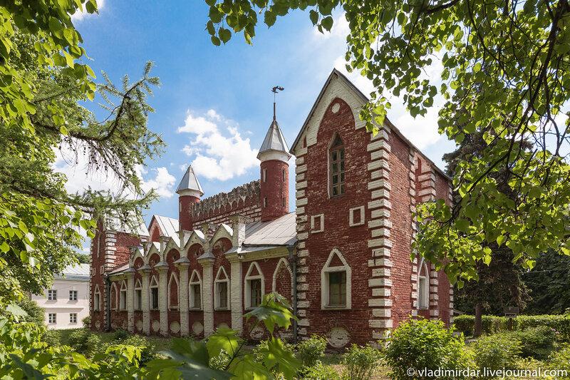 Дом притча в усадьбе  Суханово