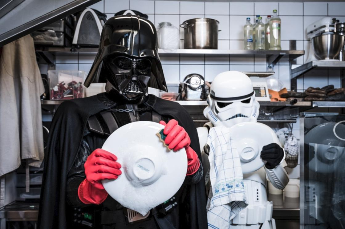 The Empire against the Crisis – Darth Vader forced to do odd jobs (15 pics)