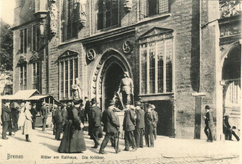 Ritter am Rathaus. Die Kritiker