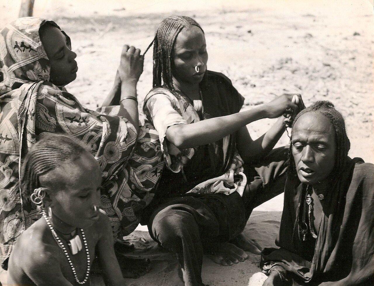 Судан. Укладка волос