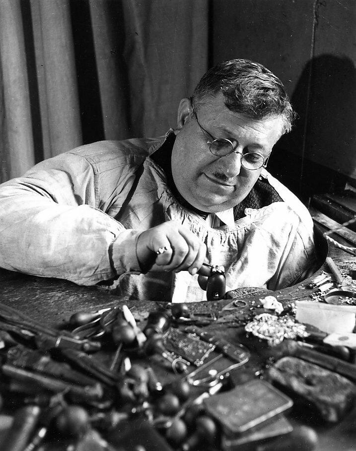1942. Г-н Мучоннет, главный архитектор Франции