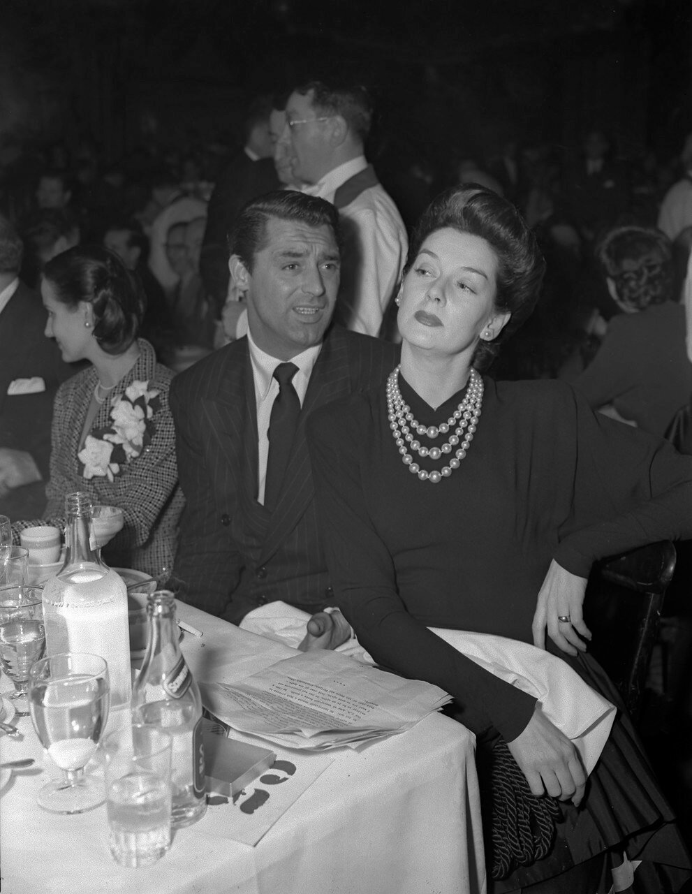 1942. Номинант на премию Кэри Грант за фильм «Грошовая серенада» (Penny Serenade) и Розалинд Расселл