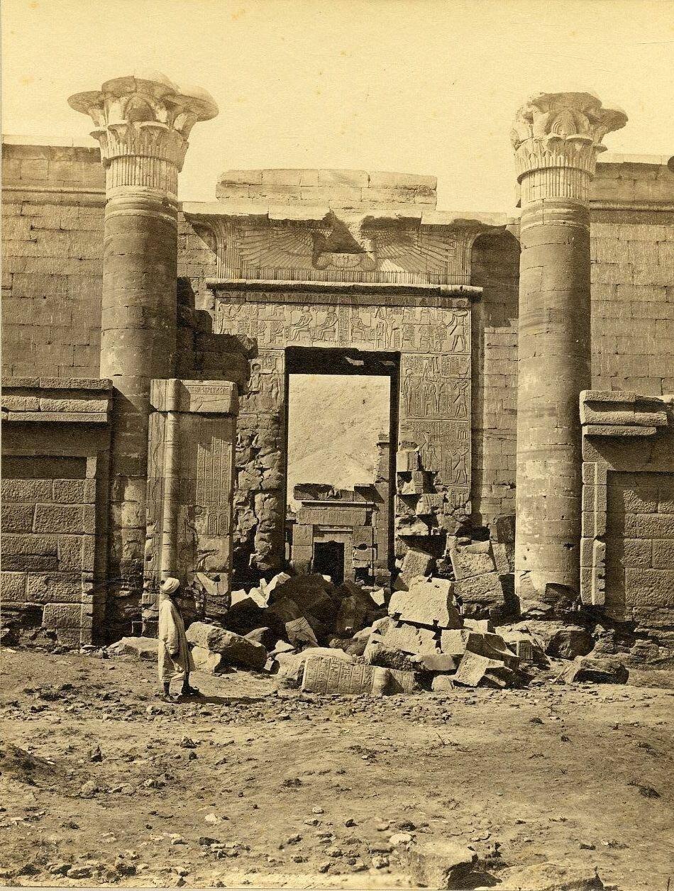 Карнак. Вход в храм